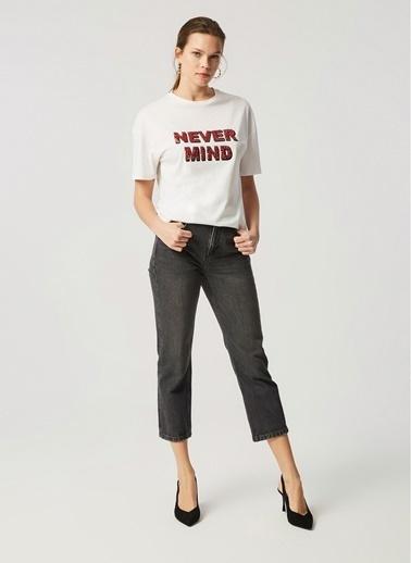 Monamoda Slogan Nakış İşlemeli Tişört Beyaz